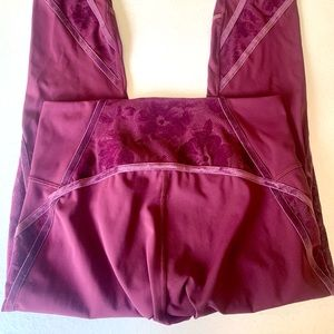 Lululemon leggings with lace detail, plum red